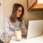 O que uma mulher desempregada pode fazer em casa para ganhar dinheiro?